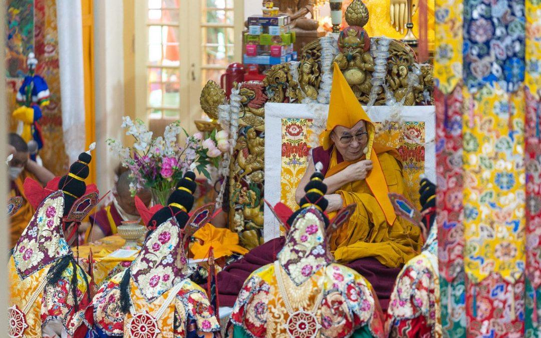 Dalajlama o życiu, szczęściu i cierpieniu. 30 cytatów na każdy dzień